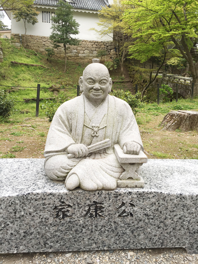 岡崎城さくら祭り 家康公の石像